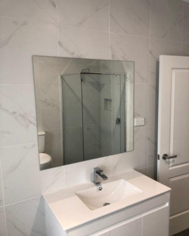 MirrorWardrobe2